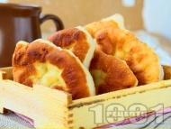 Рецепта Вкусни пухкави въздушни улични мекици със суха мая на тиган